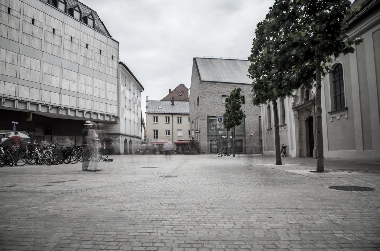 Einfach Bilder – Geschäftiges Treiben in Regensburg
