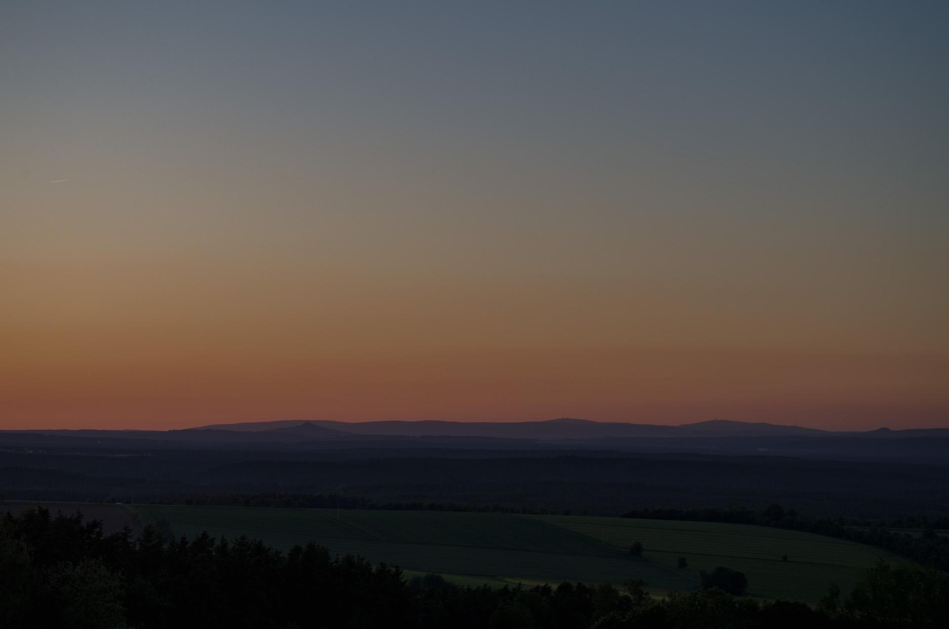Einfach Bilder – Frühsommer-Sonnenuntergang – der Himmel wird bunt